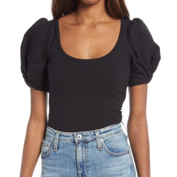 REFORMATION Frances T-Shirt Size M
